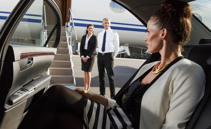 image is showing airport limo service at Burbank airport