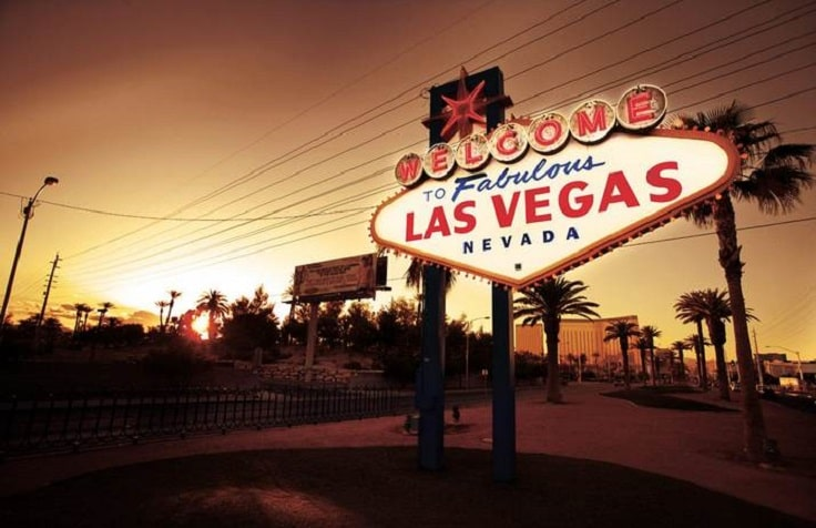 image is showing las vegas sign